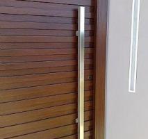 Puxador de porta em aço inox